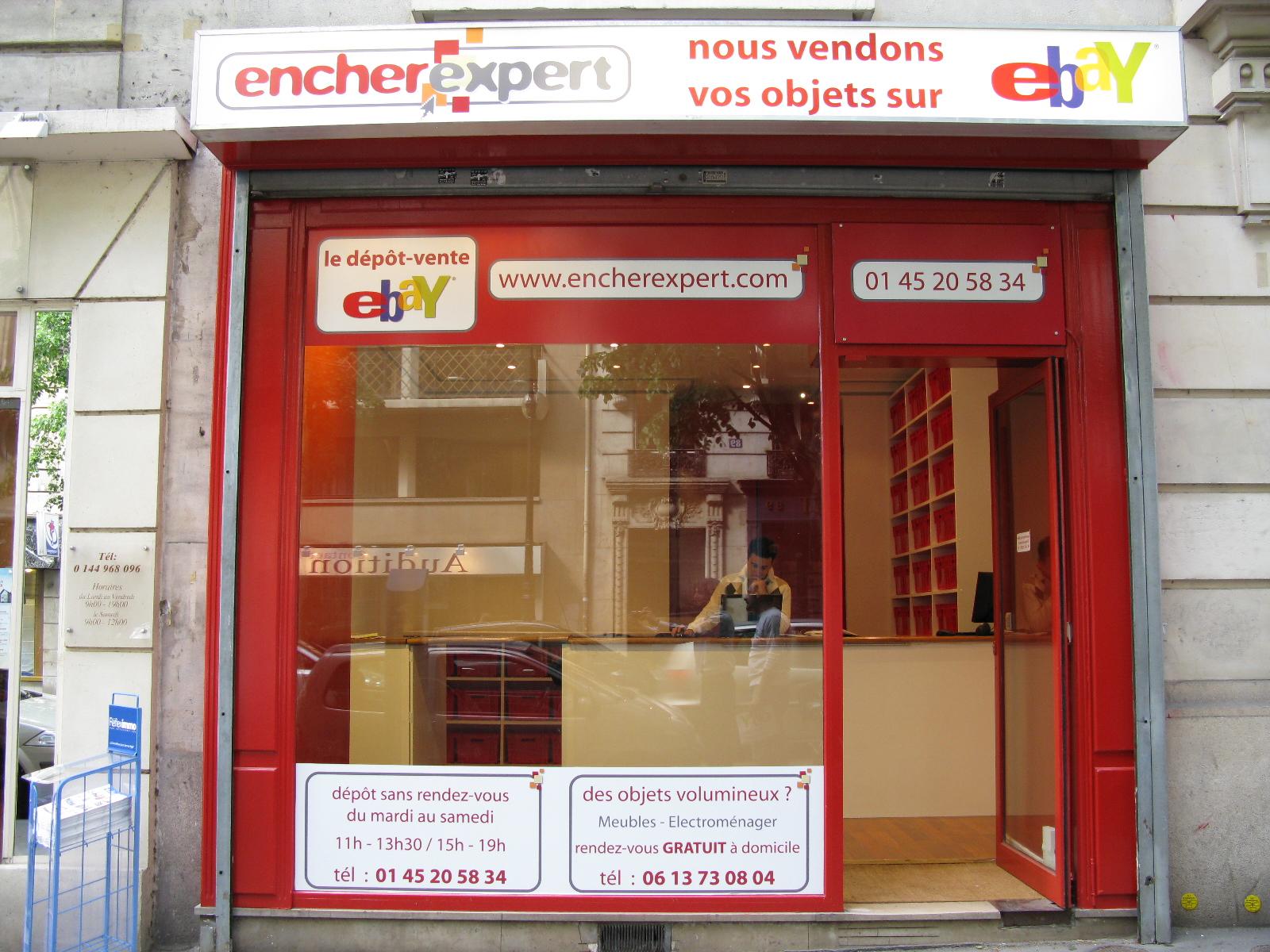 d624064eb655 A Paris, rue Mozart, Encherexpert offre un service clé en main pour les  vendeurs   la boutique met aux enchères pour eux, sur le site eBay, des  produits ...